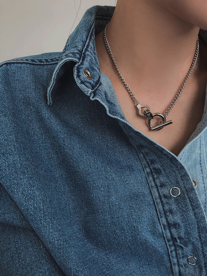 O,ring necklace-neck